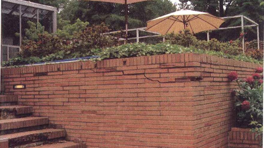 Imagen de los desperfectos de la casa del embajador en Washington.