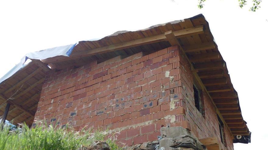 Construcción sobre los restos de una vivienda