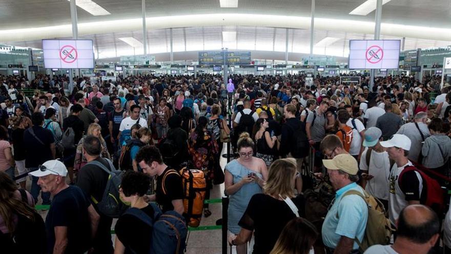 Recta final para perfilar un acuerdo que evite la huelga en los aeropuertos