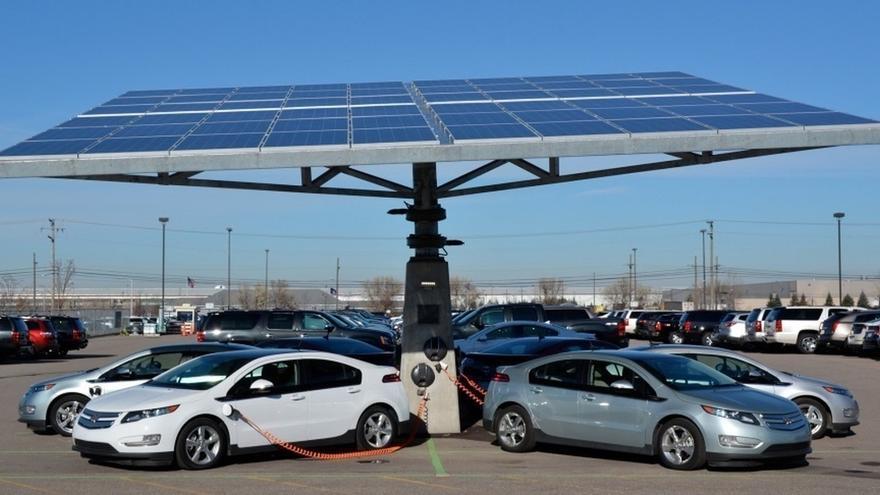 La Mesa de Movilidad pide al Ayuntamiento la instalación de un supercargador para vehículos eléctricos