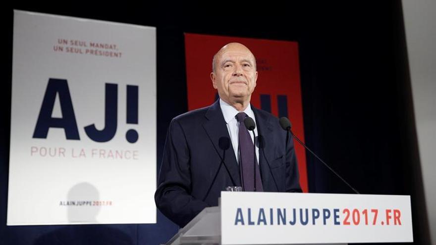 Juppé advierte de que el programa de Fillon bloqueará la sociedad francesa