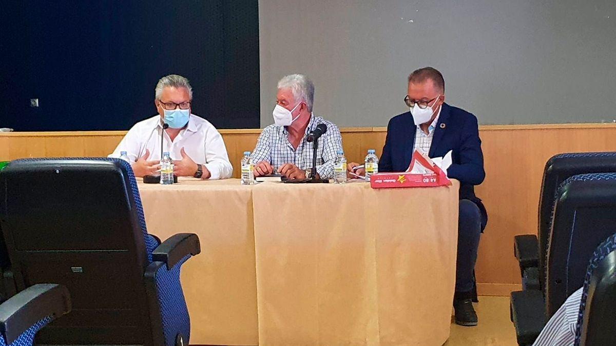 Reunión de Emproacsa, la Diputación y la Mancomunidad de Los Pedroches sobre el abastecimiento de agua.