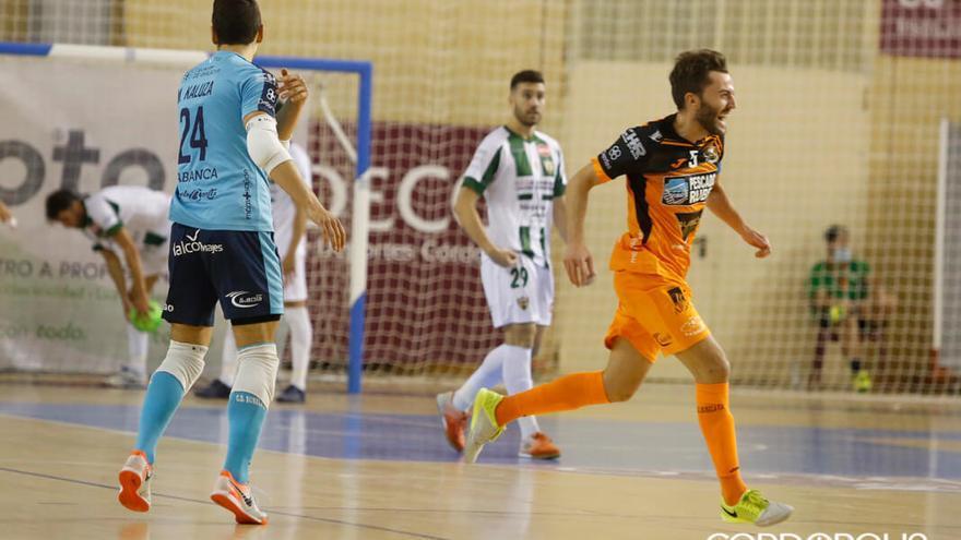 Jugadores del Burela celebran un gol ante el Córdoba Patrimonio | ÁLEX GALLEGOS