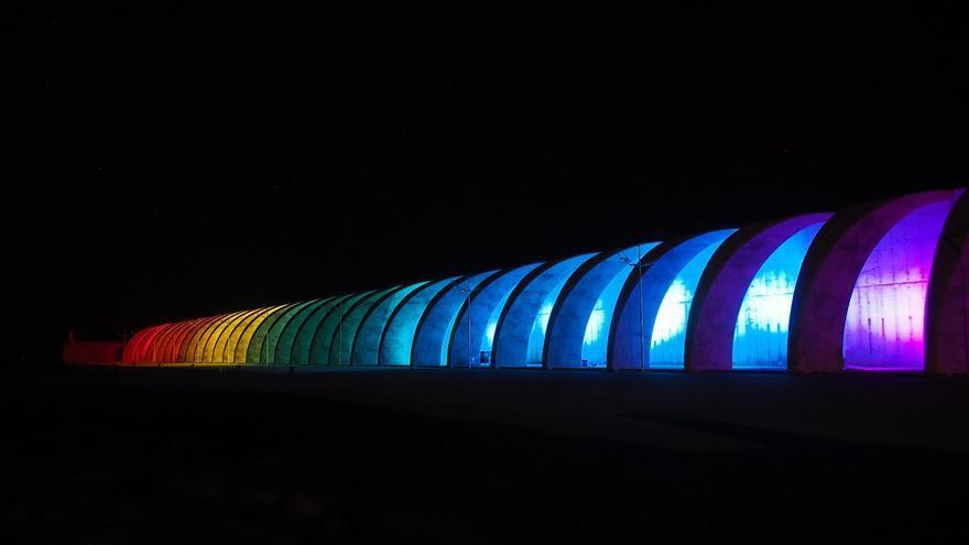 Los colores tomaron el dique del Puerto de Tazacorte. Foto: JOSÉ AYUT.