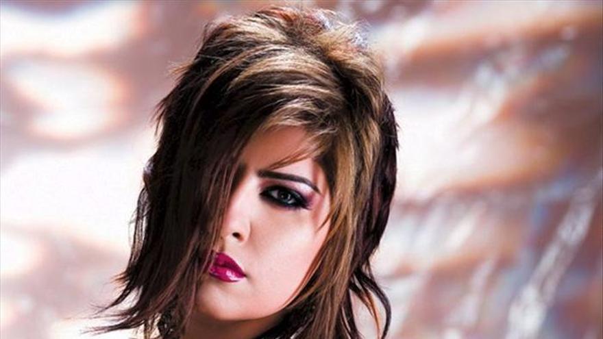 Condenado un saudí a 80 latigazos por atacar y llamar adúltera a una cantante
