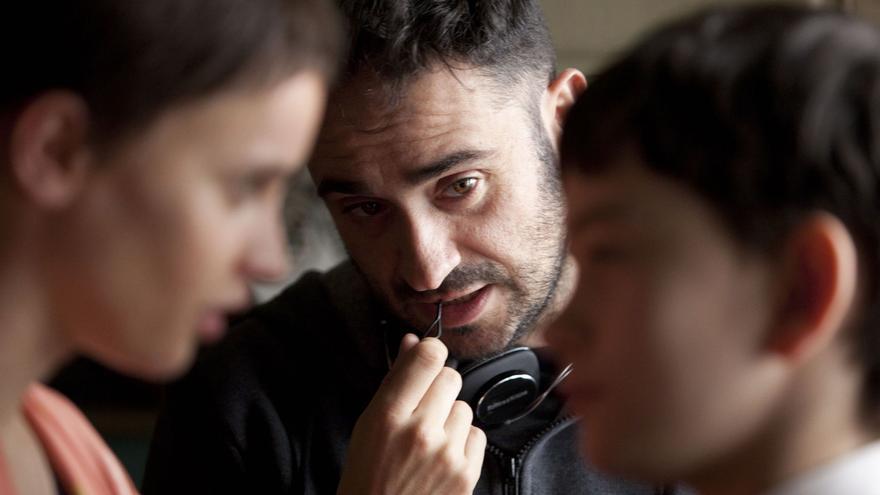 Juan Antonio Bayona, durante el rodaje de 'Un monstruo viene a verme'