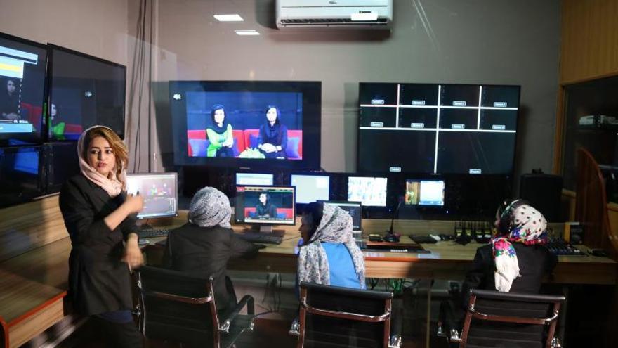Los talibanes amenazan con atacar a los medios de comunicación afganos