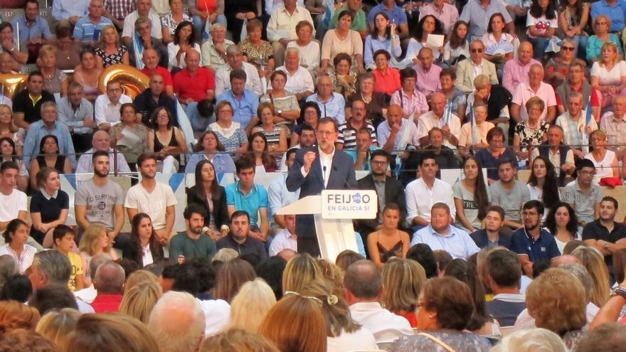 """Rajoy pide """"una mayoría clara"""" de Feijóo para evitar en Galicia la situación nacional, de la que culpa a Sánchez"""