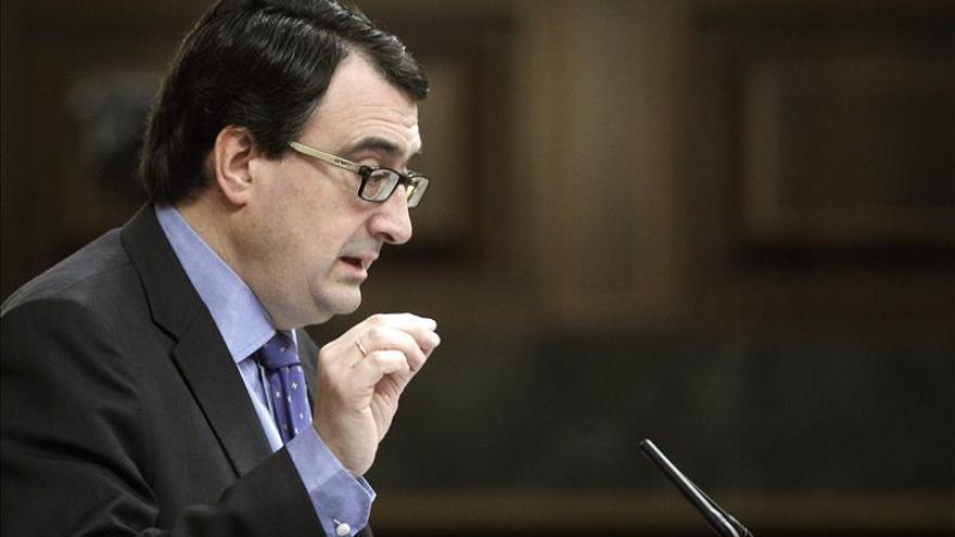 El PNV pide a Rajoy que actúe con inteligencia para evitar una escisión en ETA
