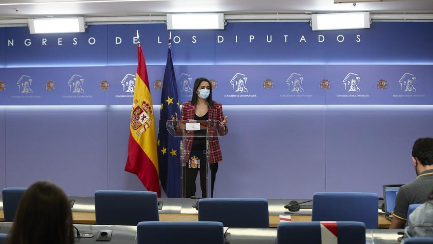 La líder de Cs, Inés Arrimadas, interviene en una rueda de prensa anterior a una Junta de Portavoces, a 20 de abril de 2021, en el Congreso de los Diputados, Madrid, (España).