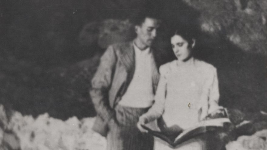 Miguel Hernández con Josefina Manresa, 1935