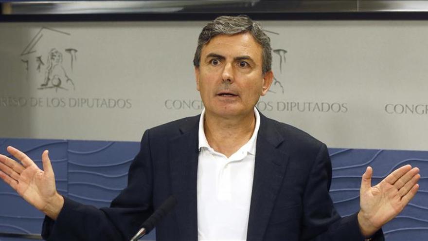 """Saura (PSOE) califica de """"patética"""" la intervención de Montoro en el debate"""