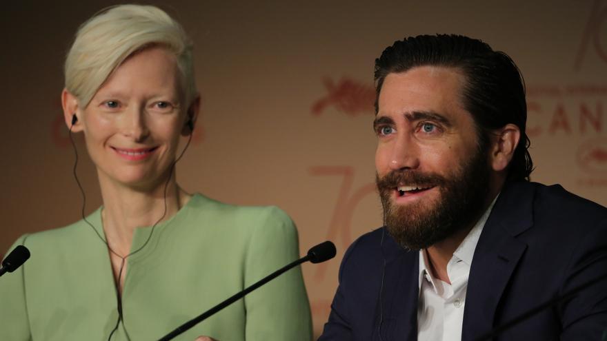 Tilda Swinton y Jake Gyllenhaal presentan 'Okja', de Netflix, en el Festival de Cannes