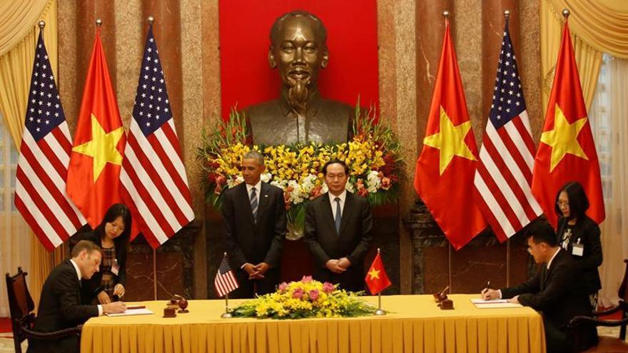 Estados Unidos levanta el embargo de venta de armas a Vietnam