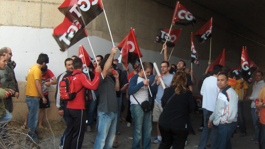 Los trabajadores de Aluminios Baux, durante la huelga de 2007. / CGT
