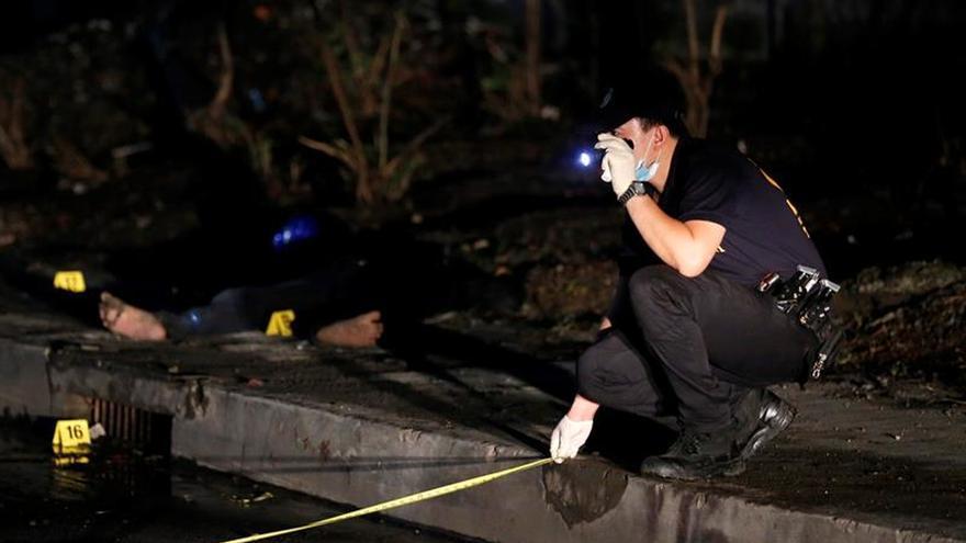 Duterte ofrece recompensas por policías implicados en el narcotráfico