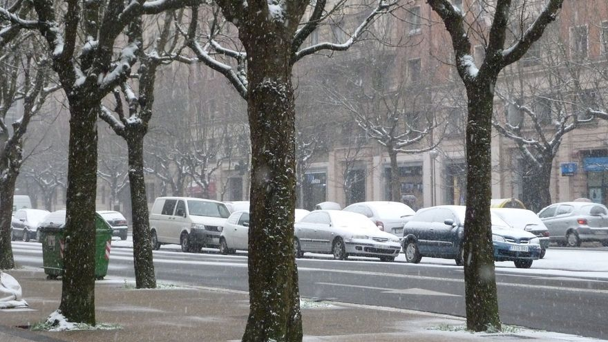 Ayuntamiento de San Sebastián activa todos sus dispositivos del 'Plan Elurra' ante la previsión de nieve a nivel del mar