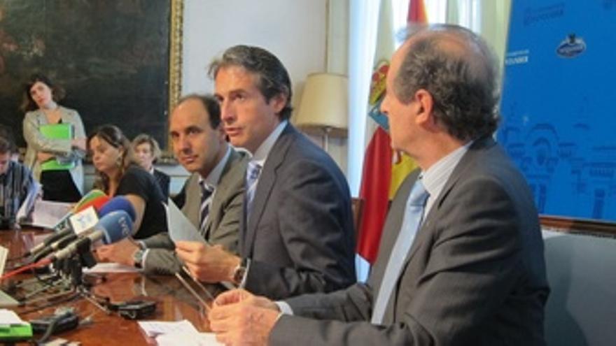 Diego, De La Serna Y Ocejo En La Presentación De La 61 Edición Del FIS