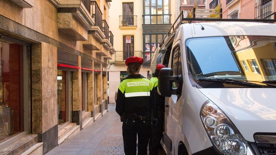 La Policía Municipal de Bilbao inicia este lunes una campaña para vigilar el adecuado transporte de mercancías