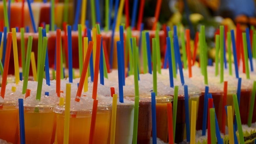 La OMS aconseja aumentar en un 20% los impuestos sobre las bebidas azucaradas