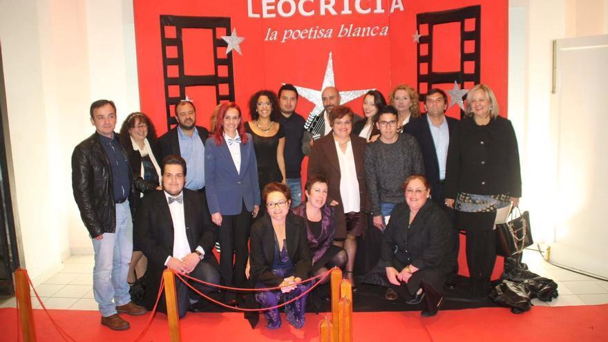 En la imagen, acto de presentación de la película en Los Sauces.