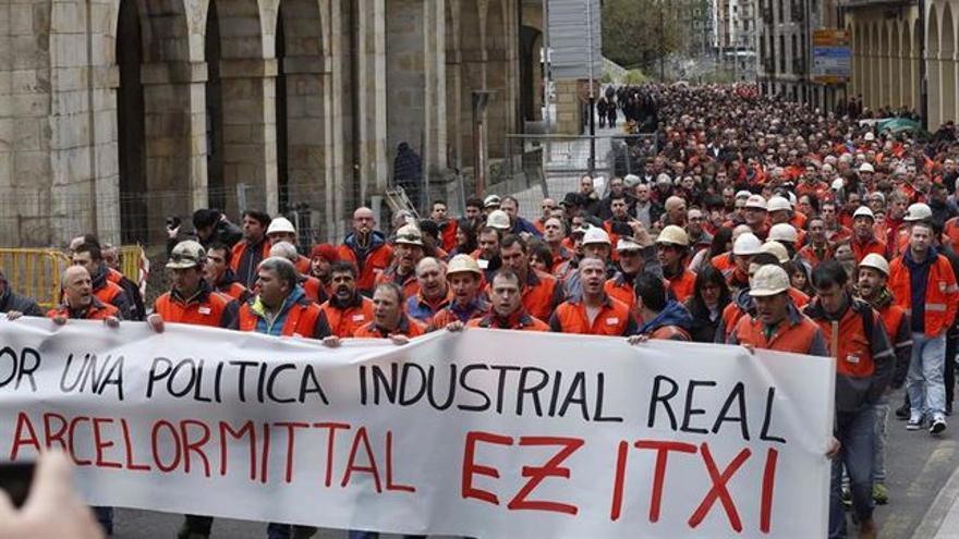 Manifestación de apoyo a los trabajadores de la planta de Arcelor de Zumarraga.