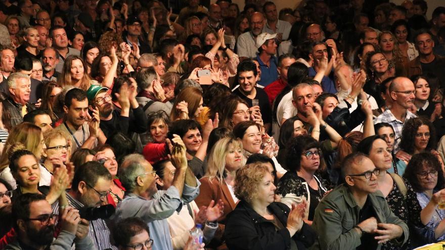 El concierto congregó a numeroso público.
