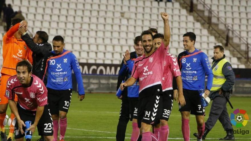 Los jugadores del Tenerife celebran el triunfo ante el Albacete