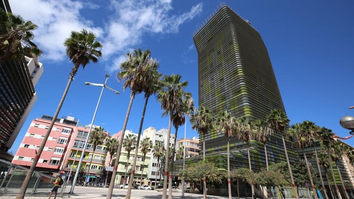 Vista de Las Palmas de Gran Canaria a la altura del edificio Woermann
