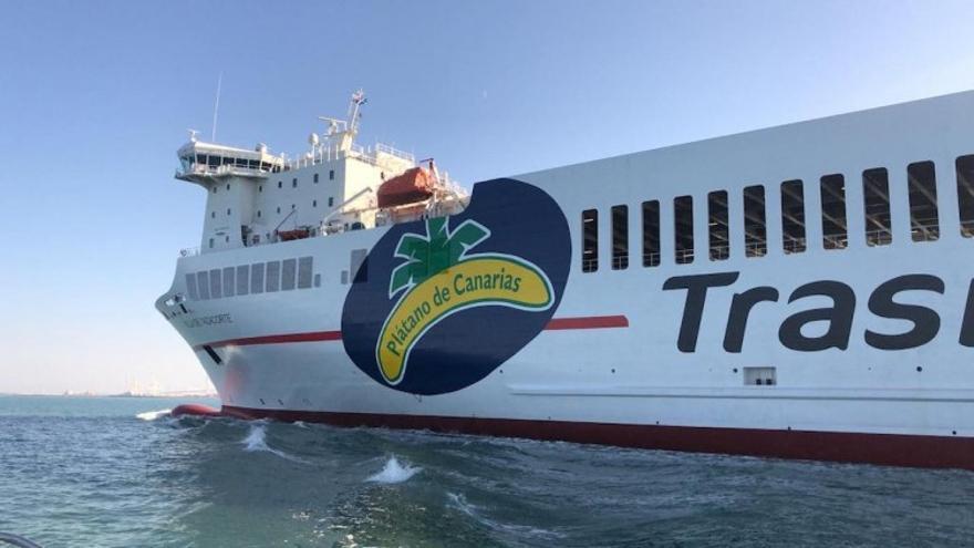 El buque 'Villa de Tazacorte' atraca por primera vez en el Puerto de Santa Cruz de La Palma el 2 de diciembre