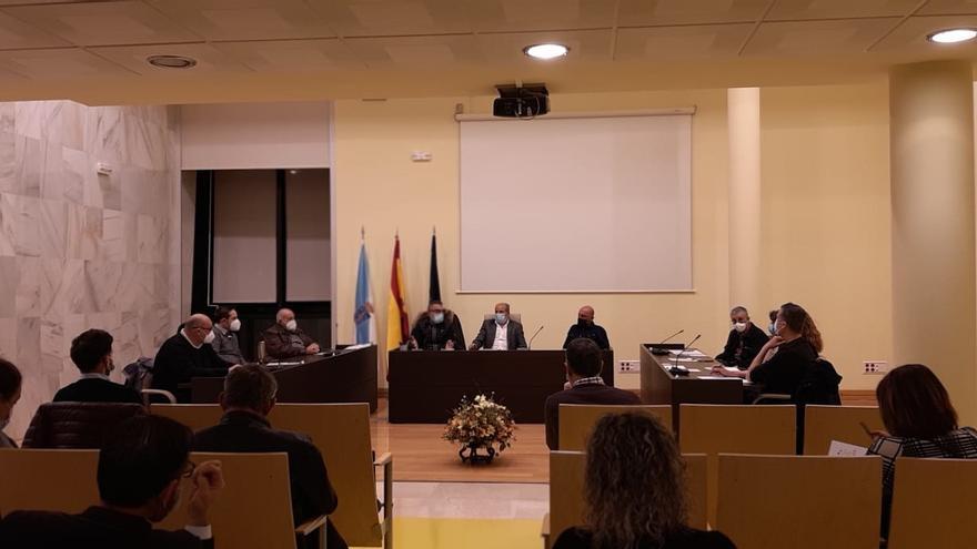 Alcaldes y sindicatos en una reunión por el futuro de Siemens Gamesa en As Somozas (A Coruña)