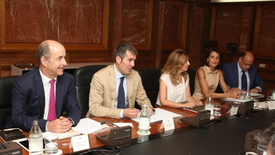 Pedro Ortega, Fernando Clavijo, Rosa Dávila, María Teresa Lorenzo y Barragán (ALEJANDRO RAMOS)