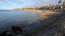 Un bañista en estado crítico tras sufrir un ahogamiento en la playa del Camisón de Arona