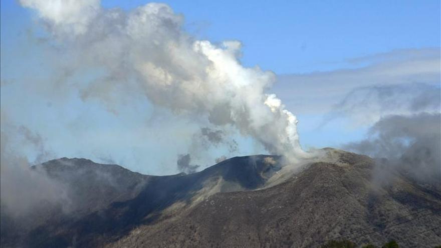 Las autoridades costarricenses están atentas a la erupción del volcán Turrialba
