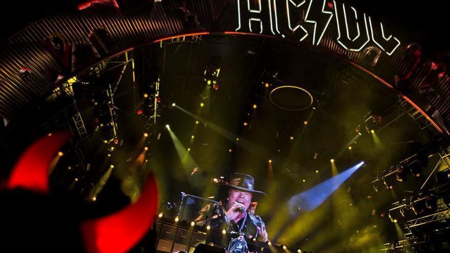 Sevilla multa con 15.000 euros a la promotora del concierto de AC/DC con Axl