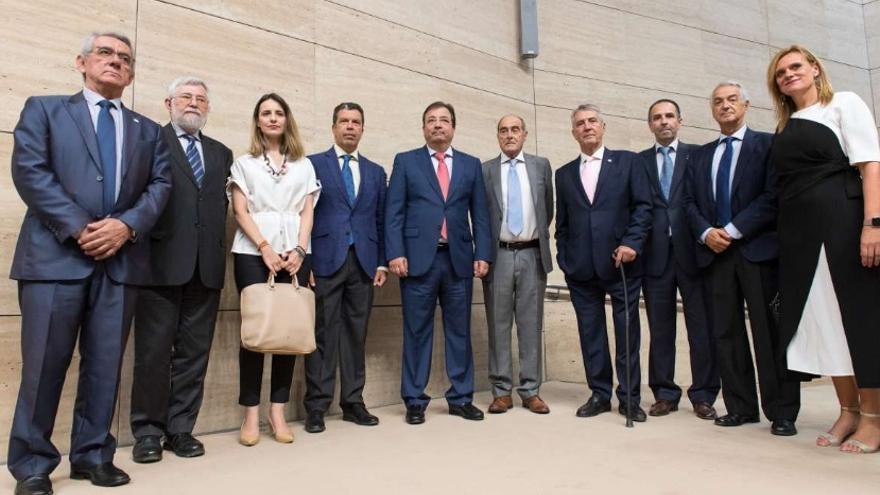 El acto pretende convertirse en el día institucional que la Comunidad de Extremadura dedica a evitar el olvido de las víctimas y sus familias