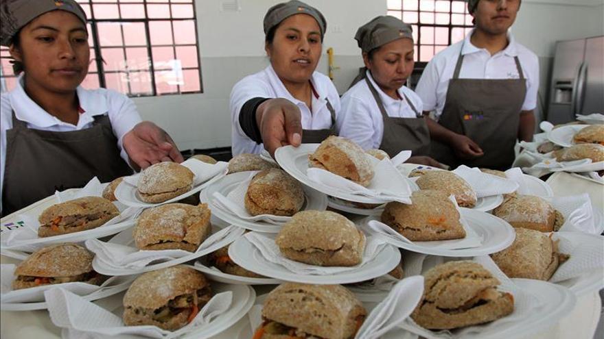 Los jóvenes reciben una escasa inversión social en Iberoamérica, según la OIJ y la Cepal