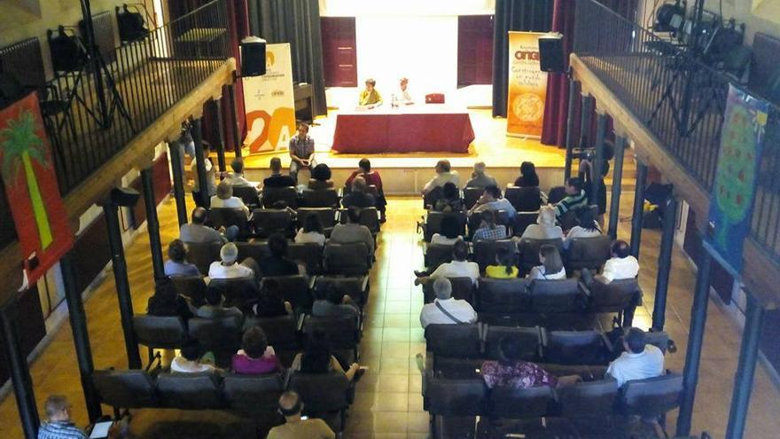 Conferencia de Mercedes Ruiz / Foto: CONGD Castilla-La Mancha