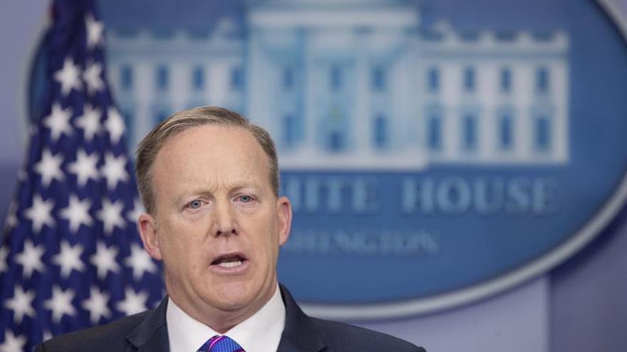 La Casa Blanca niega que piense en la Guardia Nacional para deportar inmigrantes