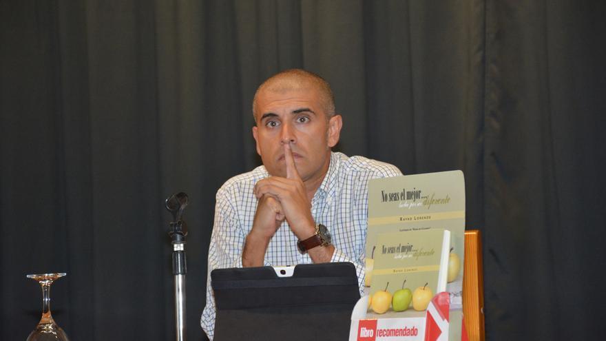 Rayko Lorenzo el día de la presentación de su libro en el Teatrino de Los Sauces.