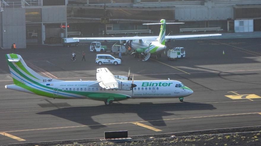 Aviones de Binter en el Aeropuerto de La Palma.