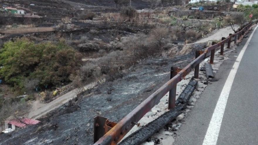 Quitamiedos quemado por el incendio en Gran Canaria