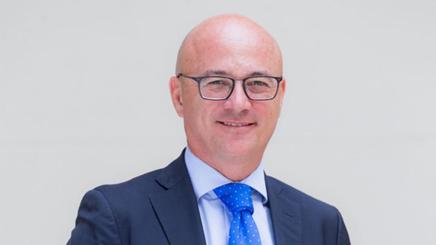 Consejero de empleo, universidades y empresa Juan Hernández
