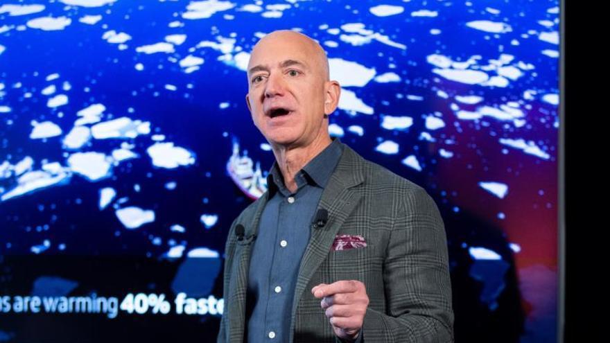 Bezos lanza un ambicioso plan verde para descarbonizar las operaciones de Amazon