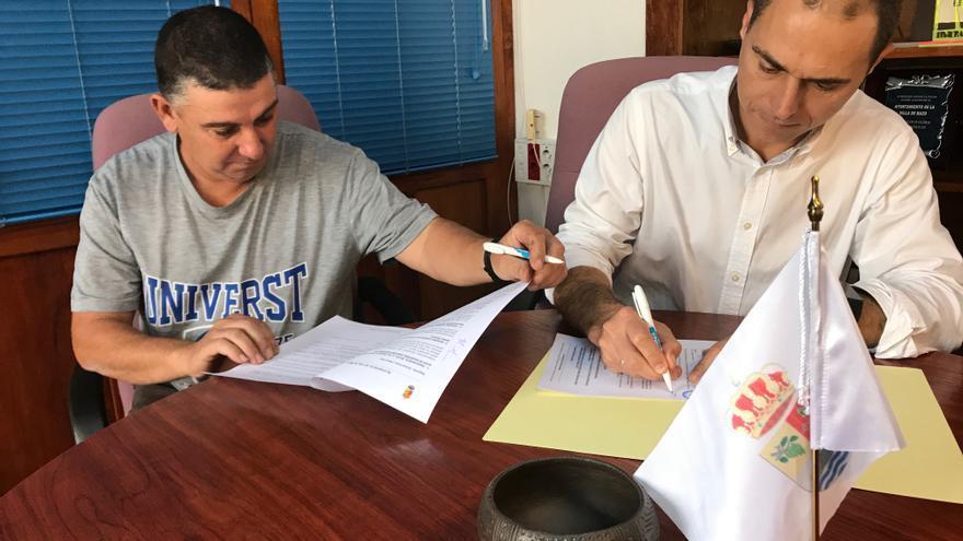 Firma del convenio del Ayuntamiento de Villa de Mazo con el Consejo Regulador de la Denominación de Origen Protegida Queso Palmero.