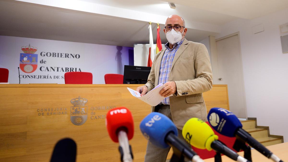El consejero de Sanidad, Miguel Rodríguez. EFE/Pedro Puente Hoyos/Archivo