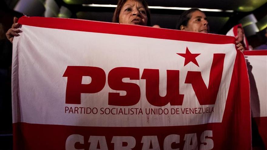 """Partido chavista activa una línea telefónica para denunciar a los """"infiltrados"""""""