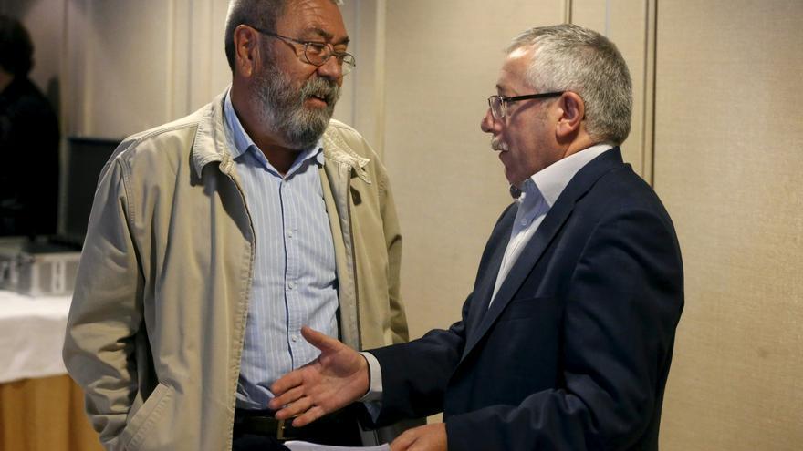 Toxo y Méndez tildan de barbaridad las críticas de Cospedal a rodear el Congreso