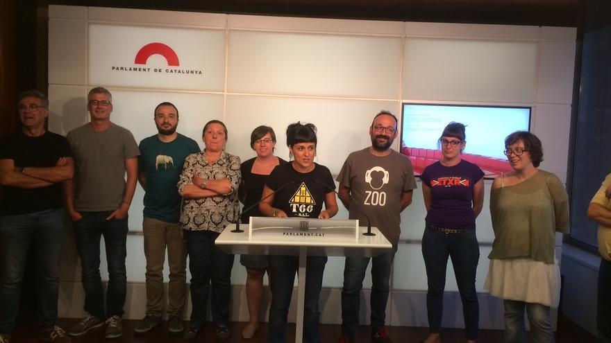 """La CUP anima a los ciudadanos a """"modificar relaciones"""" con las empresas que se van"""