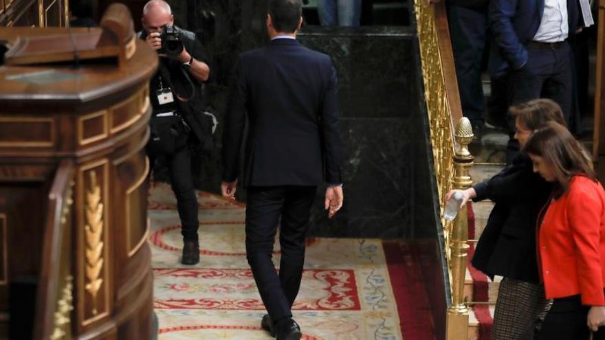 Sánchez deja el Congreso sin decir nada tras ver rechazado sus presupuestos